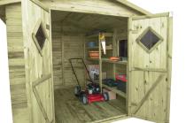 Komplet wyposażenia wewnętrznego: 3 regały i stolik roboczy pod okno