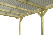 Garaż drewniany z zadaszeniem z wytrzymałej pleksy