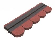 Zabezpiecz dach drewnianej konstrukcji gontem bitumicznym w kolorze czerwonym