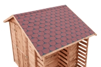Gont doskonale prezentuje się w połączeniu z drewnianą architekturą ogrodową