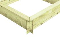 Drewniana piaskownica - plac zabaw w ogródku