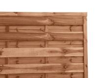 Płot brązowy z drewna sosnowego