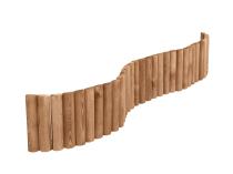 Brązowy rollborder ogrodowy zbudowany z palisad połączonych drutami