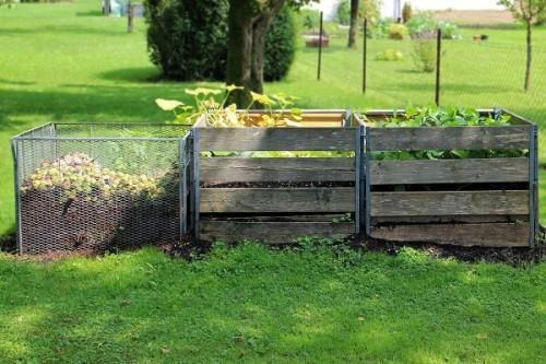 Jesienne prace ogrodowe – jak założyć kompostownik